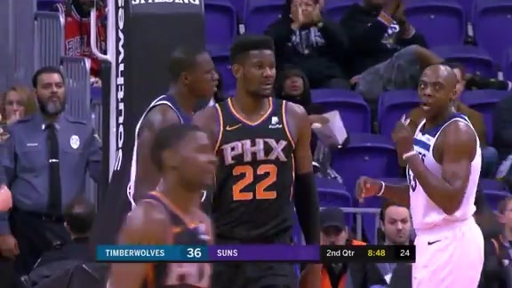 Ayton Slams it Down