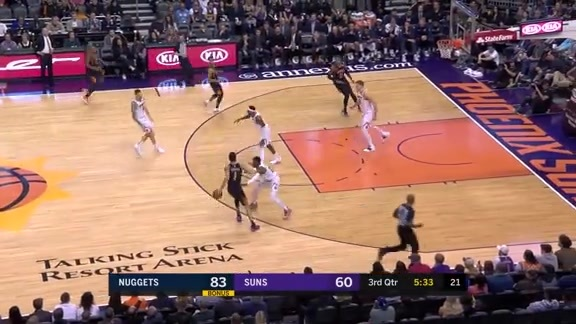 Booker Gets Layup in Transition