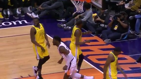 Booker Finds Ayton for the Alley-Oop