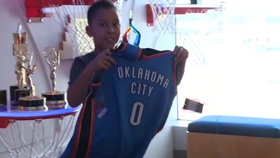 A Thunder Surprise for Fan