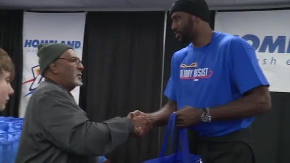 Thunder Give Thanks to Military Veterans