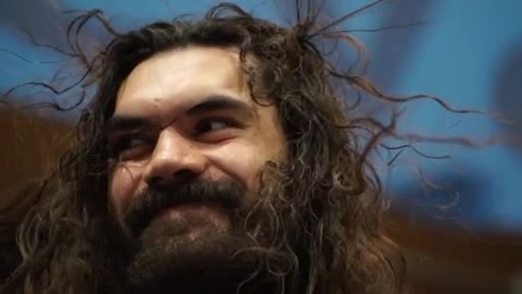 Steven Adams Stops By Science Museum