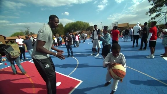 Gorgui Giving Back