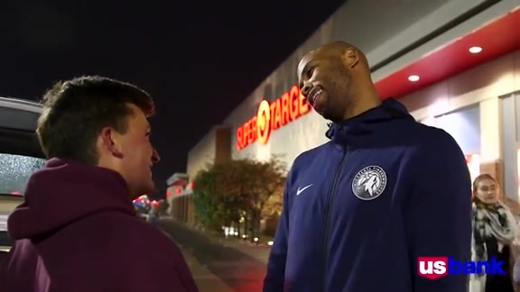 U.S. Bank College Night Shopping Spree With Taj Gibson