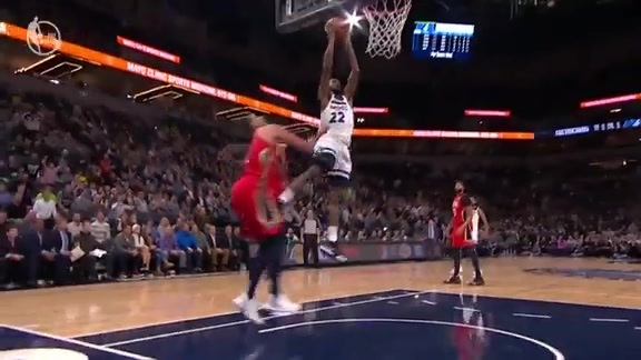 Wiggins With The Poster Slam