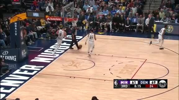 Towns Crosses Up Jokic