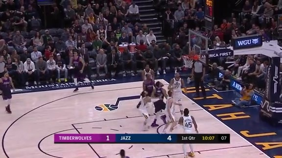 Wiggins Spins To The Rim And Scores