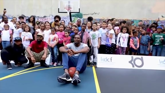 Kevin Durant: In the Community 2017-18