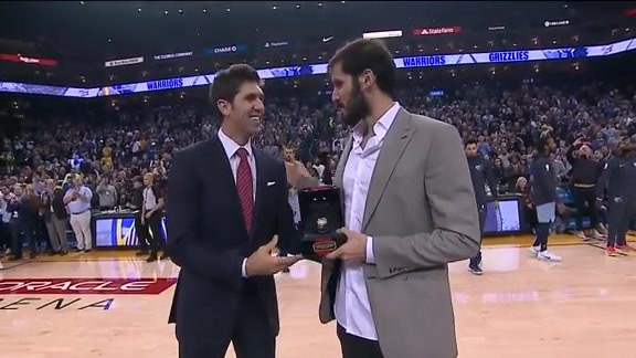Omri Casspi Receives His Chapionship Ring
