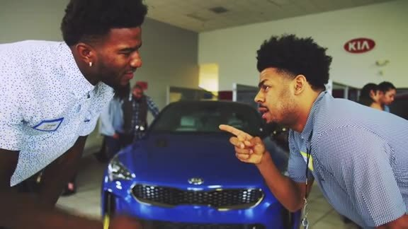 Jordan Bell and Quinn Cook Go to Work with Kia