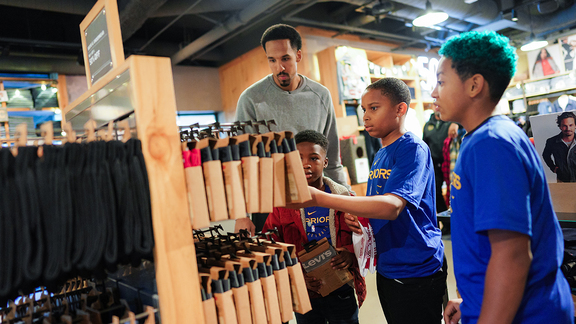 Season of Giving Levi's Shopping Spree with Shaun Livingston